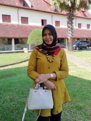 Andi Ummung Sulolipu, S.P., M.Si.
